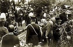 "Photo-report by ""De Prins"" of Thomson's state funeral"